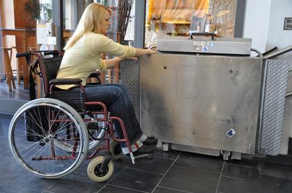 Plattformlift für Rollstuhlfahrer
